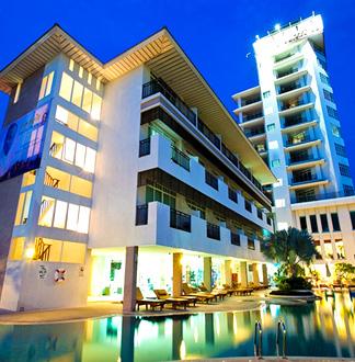 파타야 4성급 디스커버리 비치 호텔 (Pattaya Discovery Beach Hotel)